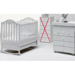 A baby bedroom with a cot and baby bath Didi Baby Italia mattress with free