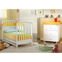 Schlafzimmer mit Kinderbett - Babywanne Ciak Love Pali mit Federdecke - Krippenschutz - Kissenbezug