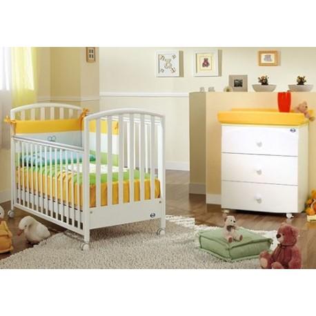 Schlafzimmer mit Kinderbett - Babywanne Ciak Joy Pali mit Federdecke - Krippenschutz - Kissenbezug
