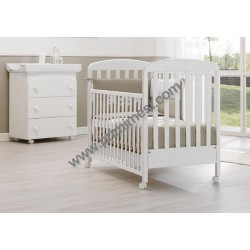 Nido Erbesi bedroom with cot and baby bath / changing mat - free mattress