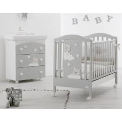 Schlafzimmer mit Kinderbett und Bad / Wickelauflage Mars Azzurra Design - freie Matratze