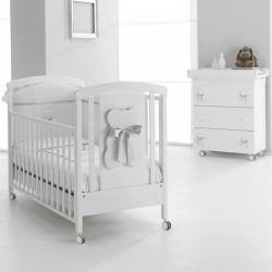 Bubu Erbesi Schlafzimmer mit Babybett und Wickelauflage - Matratze und Kissen sind kostenlos
