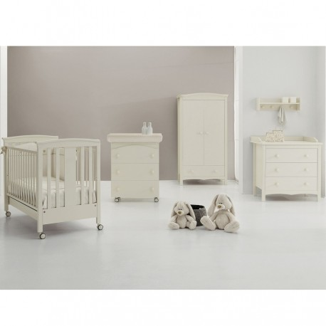 Sonia Erbes bedroom bed, wardrobe, dresser and baby bath + mattress tribute