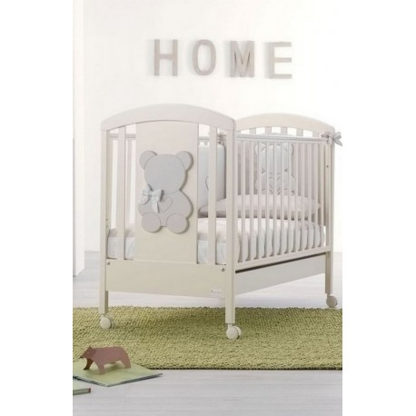 Funky Blue Bedroom with cot and baby bath - free mattress