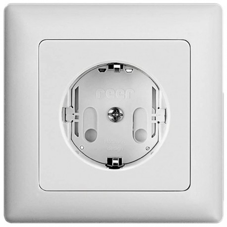 Protective plug for power outlet Reer